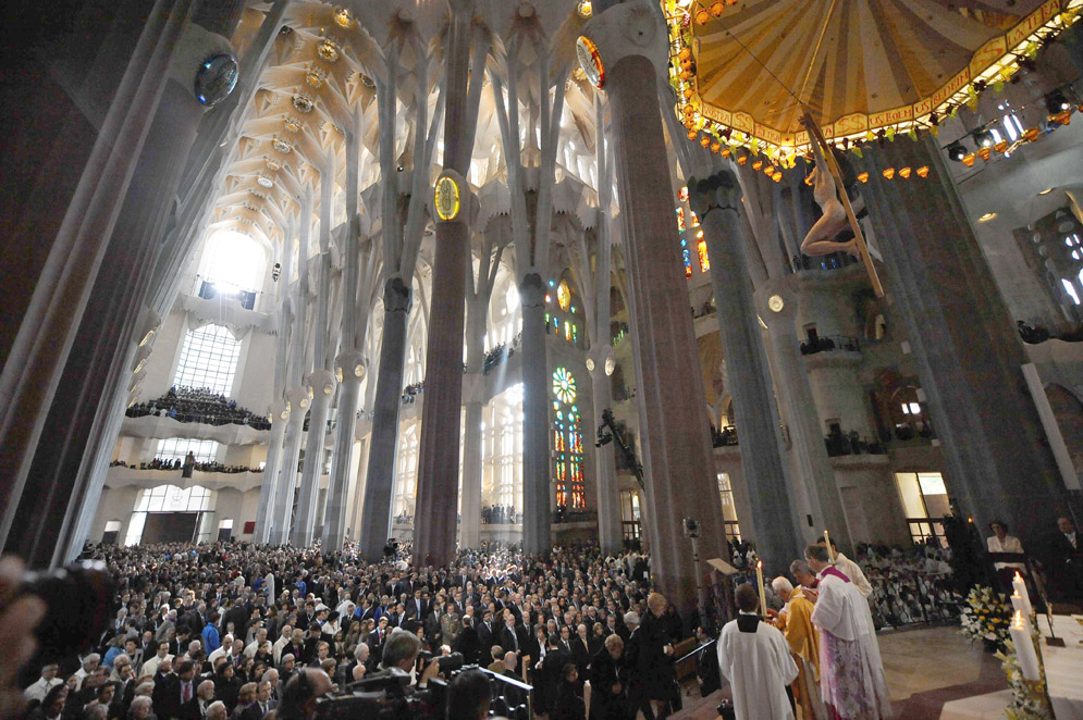 Mass at the Basilica of La Sangrada Familia.  Barcelona, Spain